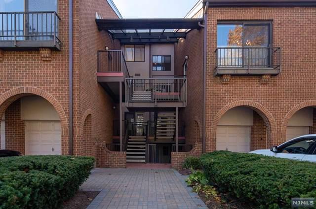 4 Whitman Court, Teaneck, NJ 07666 (#1950702) :: NJJoe Group at Keller Williams Park Views Realty