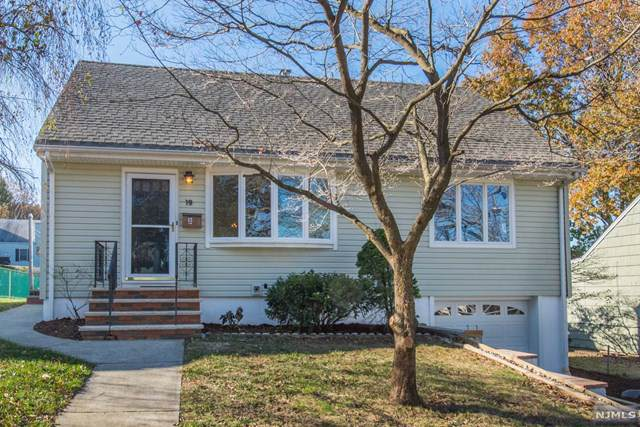 19 Holly Street, Clifton, NJ 07013 (MLS #1951438) :: The Sikora Group