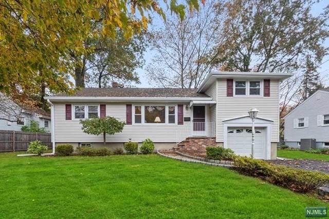 63 Whalen Court, Westwood, NJ 07675 (MLS #1951492) :: The Dekanski Home Selling Team