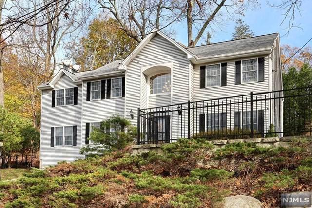 9 Locust Street, Montvale, NJ 07645 (MLS #1951672) :: Team Braconi | Prominent Properties Sotheby's International Realty