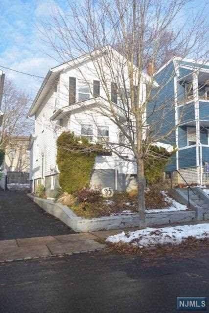 95 Watchung Avenue, West Orange, NJ 07052 (MLS #1953993) :: The Sikora Group