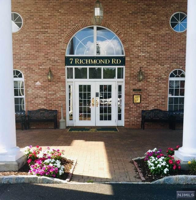 7204 Richmond Road, West Milford, NJ 07480 (MLS #1954034) :: The Dekanski Home Selling Team