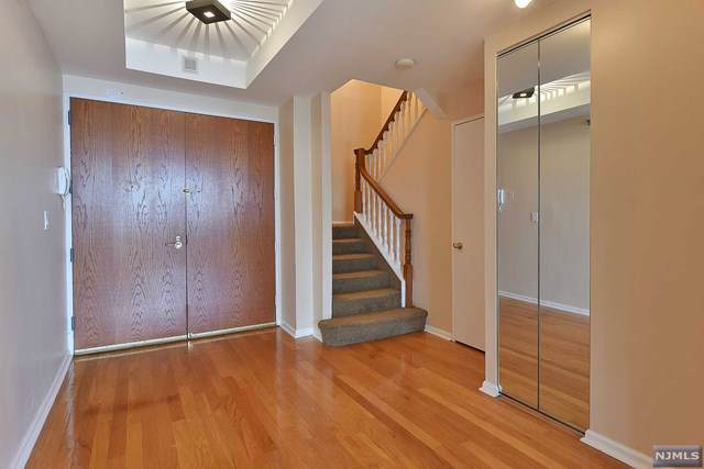100 Carlyle Drive - Photo 1