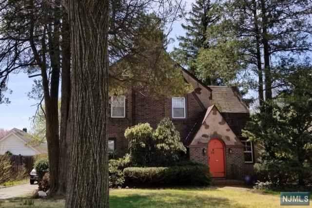43 Brinkerhoff Avenue, Teaneck, NJ 07666 (MLS #1954780) :: Team Braconi | Prominent Properties Sotheby's International Realty