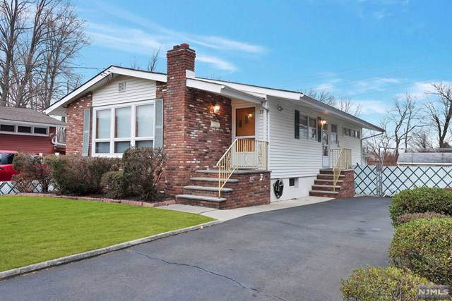 33 Dapp Court, Elmwood Park, NJ 07407 (MLS #20002160) :: The Dekanski Home Selling Team