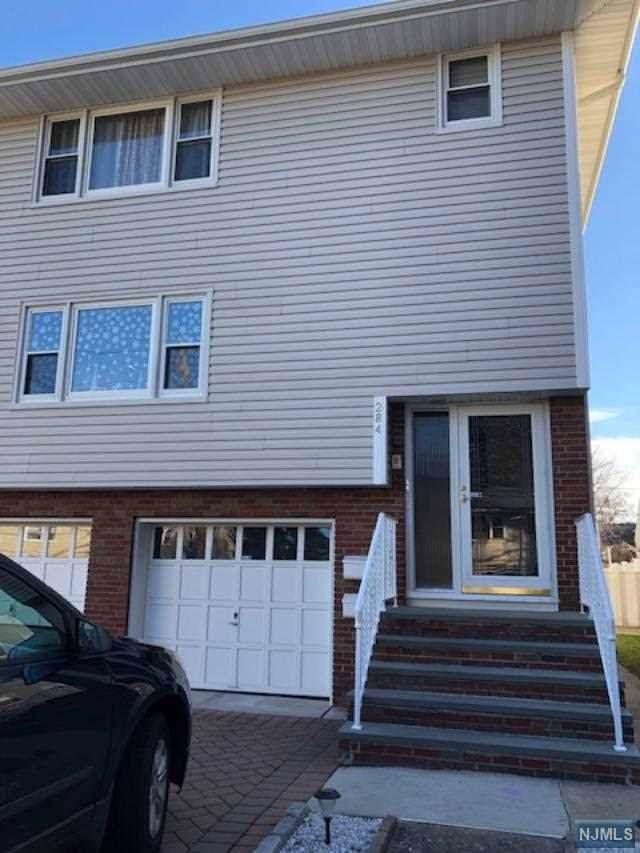 284 Miller Avenue, Elmwood Park, NJ 07407 (MLS #20002195) :: The Dekanski Home Selling Team