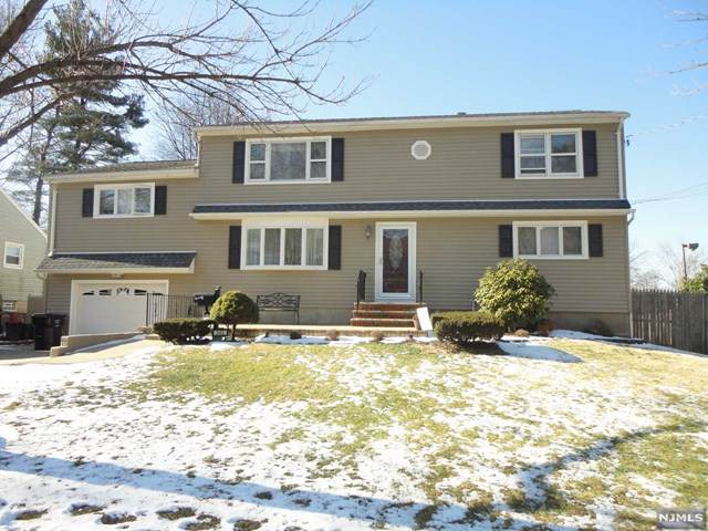 343 Sherwood Drive, Paramus, NJ 07652 (#20002935) :: NJJoe Group at Keller Williams Park Views Realty