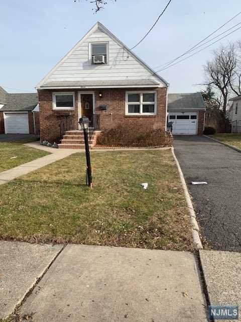 11 Madison Avenue, Hasbrouck Heights, NJ 07604 (#20003035) :: NJJoe Group at Keller Williams Park Views Realty