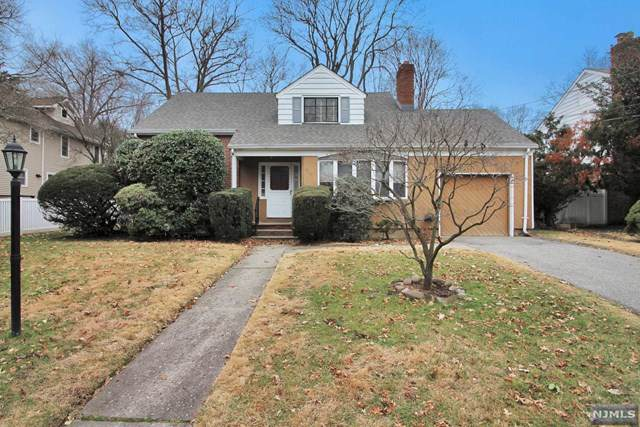908 Warren Parkway, Teaneck, NJ 07666 (#20003443) :: NJJoe Group at Keller Williams Park Views Realty