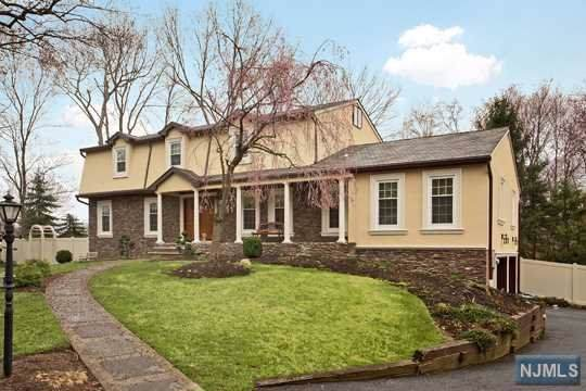 553 Knoll Drive, River Vale, NJ 07675 (MLS #20003715) :: William Raveis Baer & McIntosh