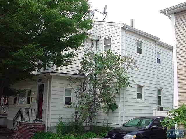 79 Van Riper Avenue, Elmwood Park, NJ 07407 (MLS #20004179) :: The Dekanski Home Selling Team