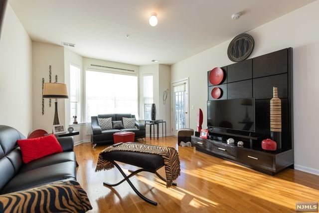 503 Bushes Lane, Elmwood Park, NJ 07407 (MLS #20004787) :: The Dekanski Home Selling Team