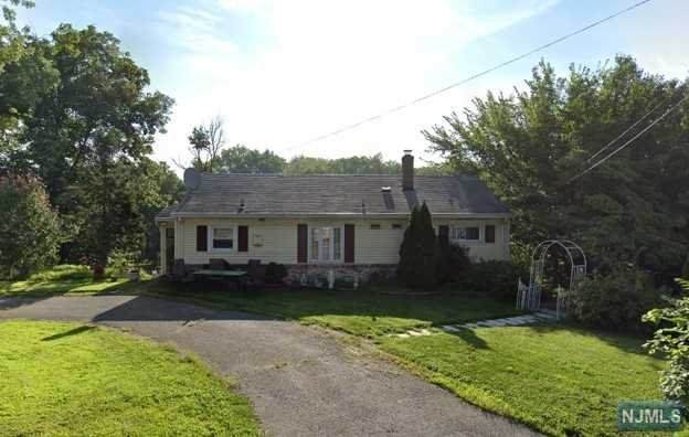 400 Kinderkamack Road, River Edge, NJ 07661 (#20005229) :: NJJoe Group at Keller Williams Park Views Realty