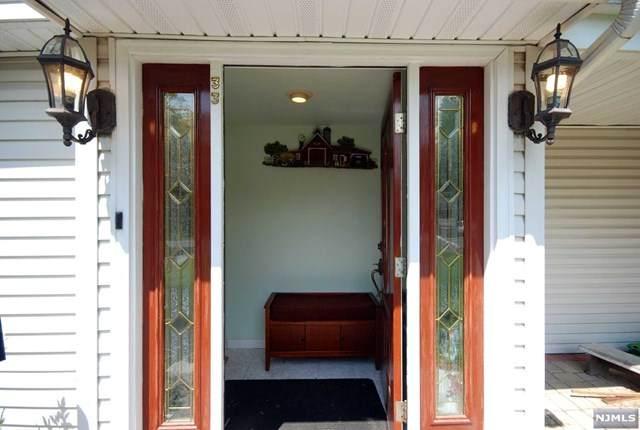 33 Fellswood Drive, Livingston, NJ 07039 (MLS #20006003) :: The Dekanski Home Selling Team