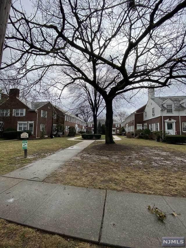 261A Elmwood Avenue A, Maplewood, NJ 07040 (MLS #20006440) :: The Dekanski Home Selling Team
