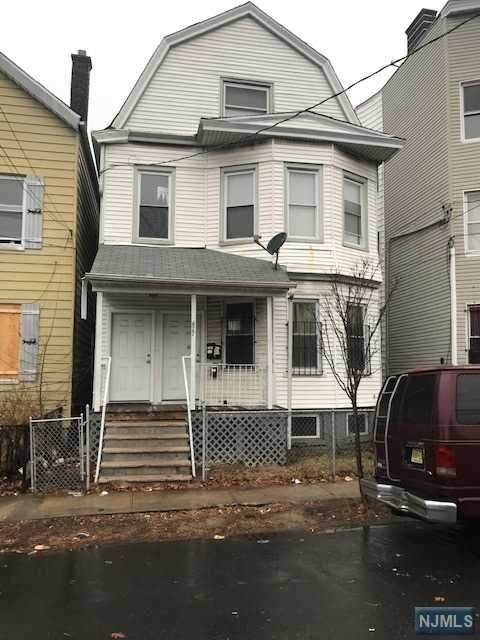 477 19th Street - Photo 1