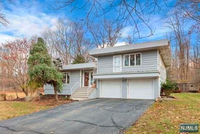 25 Cherry Tree Lane, Chester Borough, NJ 07930 (MLS #20006940) :: William Raveis Baer & McIntosh