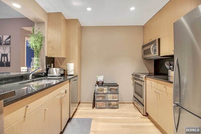 2102 City Place, Edgewater, NJ 07020 (MLS #20007080) :: Team Francesco/Christie's International Real Estate
