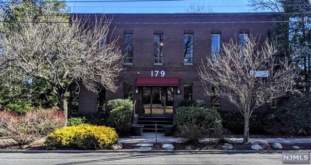 179 Maple Avenue - Photo 1