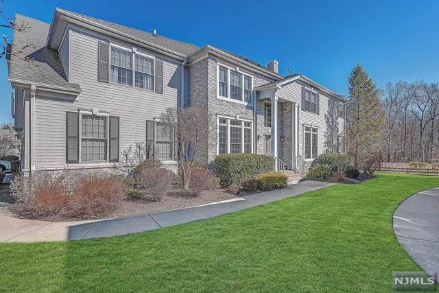 33 Schweinberg Drive, Roseland, NJ 07068 (MLS #20008315) :: The Dekanski Home Selling Team