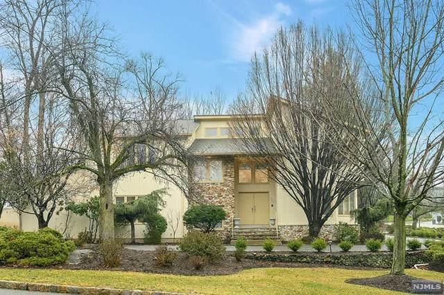 121 Eileen Drive, Cedar Grove, NJ 07009 (MLS #20009585) :: The Dekanski Home Selling Team
