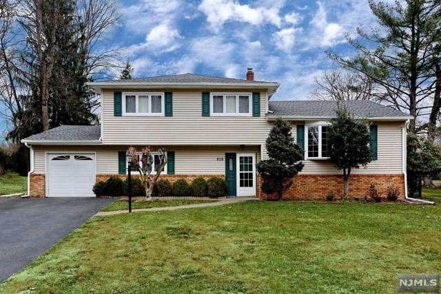 818 Marshall Road, River Vale, NJ 07675 (MLS #20010208) :: The Dekanski Home Selling Team