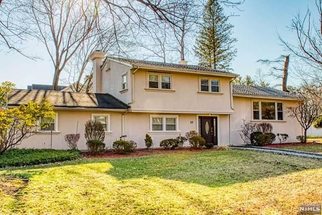 37 Sandra Place, Harrington Park, NJ 07640 (MLS #20010401) :: The Dekanski Home Selling Team