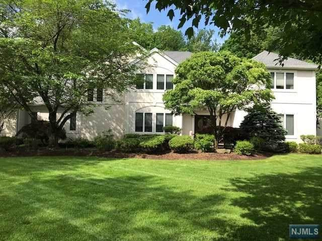 17 Stokes Farm Road, Old Tappan, NJ 07675 (MLS #20010585) :: The Dekanski Home Selling Team