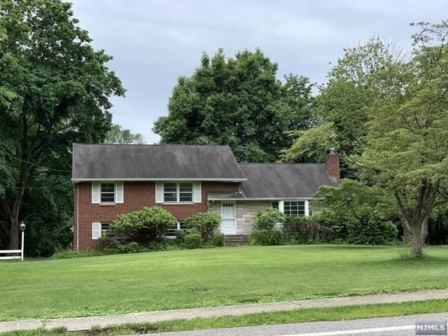 39 Old Tappan Road, Old Tappan, NJ 07675 (MLS #20010963) :: The Dekanski Home Selling Team
