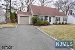 13 Monmouth Court, Livingston, NJ 07039 (MLS #20010983) :: Halo Realty