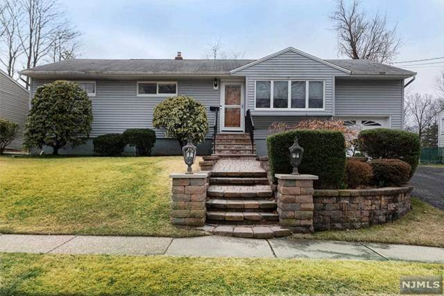 7 White Beeches Drive, Dumont, NJ 07628 (MLS #20011378) :: The Dekanski Home Selling Team
