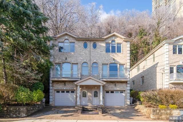 692 Undercliff Avenue #1, Edgewater, NJ 07020 (MLS #20011782) :: Team Francesco/Christie's International Real Estate