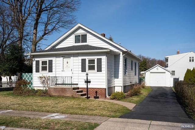 31 Berdan Street, Rochelle Park, NJ 07662 (MLS #20011892) :: The Sikora Group