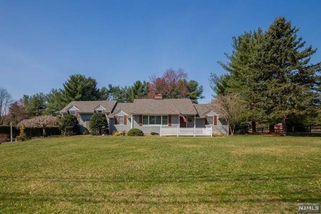 327 W Saddle River Road, Upper Saddle River, NJ 07458 (MLS #20011951) :: The Dekanski Home Selling Team