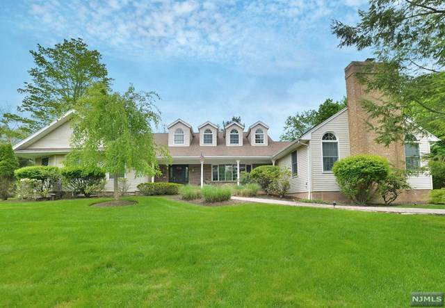 7 Pharis Place, Upper Saddle River, NJ 07458 (MLS #20012237) :: The Dekanski Home Selling Team