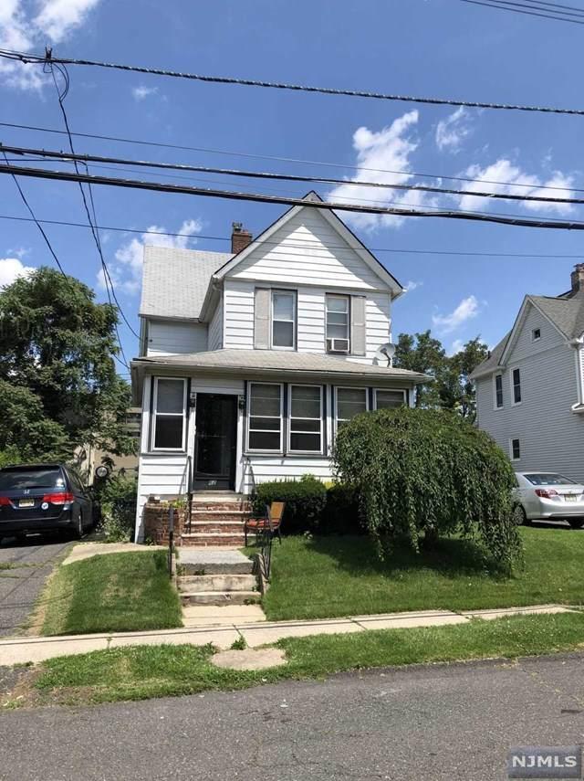 62 Dumont Avenue, Dumont, NJ 07628 (MLS #20012238) :: The Dekanski Home Selling Team