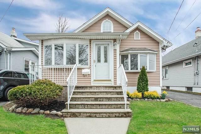 15-15 Raymond Street, Fair Lawn, NJ 07410 (MLS #20012270) :: The Dekanski Home Selling Team