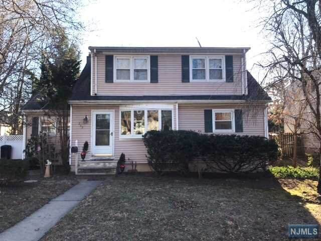 267 Howard Street, Twp Of Washington, NJ 07676 (#20012302) :: Bergen County Properties