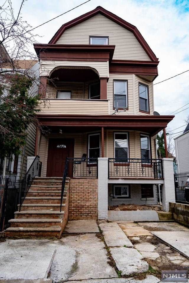 924 Grove Street, Irvington, NJ 07111 (MLS #20012320) :: The Dekanski Home Selling Team
