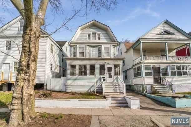 38 Hilton Street, East Orange, NJ 07017 (MLS #20012435) :: The Dekanski Home Selling Team