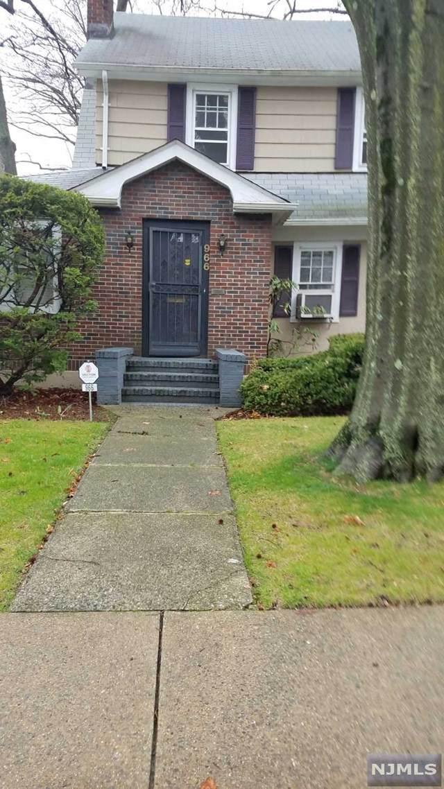966 Garrison Avenue, Teaneck, NJ 07666 (#20012669) :: Bergen County Properties