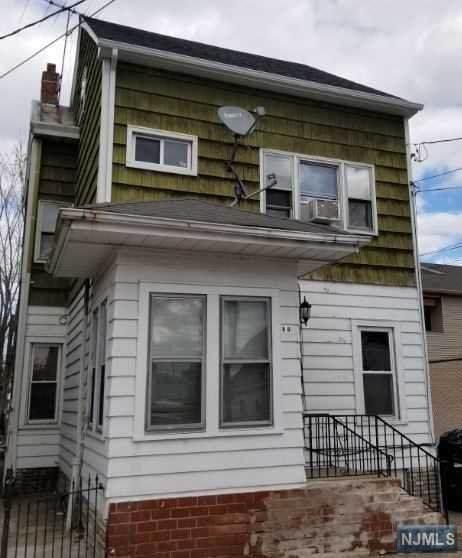 88 Albion Avenue, Paterson, NJ 07502 (MLS #20012833) :: The Dekanski Home Selling Team
