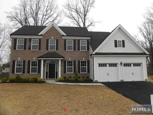 15 Bares Court, Little Ferry, NJ 07643 (MLS #20013302) :: The Sikora Group