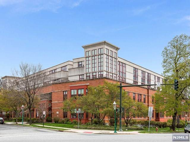 85 Park Avenue #303, Glen Ridge, NJ 07028 (MLS #20016043) :: The Sikora Group