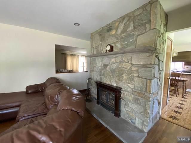 11 Liberty Ridge Trail, Totowa, NJ 07512 (MLS #20016261) :: The Sikora Group