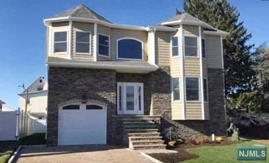 305 Union Avenue, Wood Ridge, NJ 07075 (MLS #20016783) :: The Sikora Group