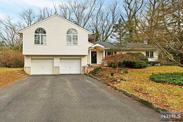 40 Forest Drive, Hillsdale, NJ 07642 (MLS #20017159) :: The Sikora Group