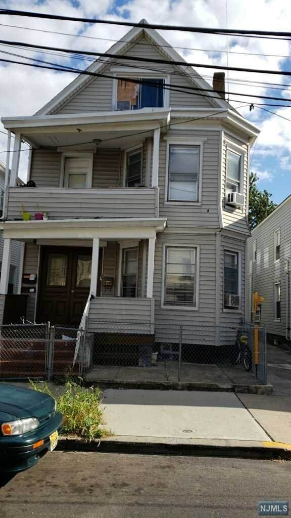 15 Rosz Place, Passaic, NJ 07055 (MLS #20017306) :: The Sikora Group