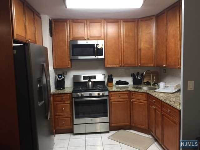 39 E 39th Street 1N, Paterson, NJ 07514 (#20017316) :: Proper Estates