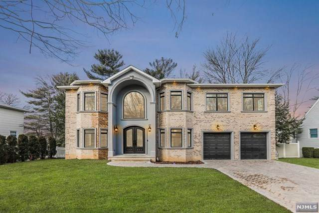 277 Buttonwood Drive, Paramus, NJ 07652 (#20018021) :: NJJoe Group at Keller Williams Park Views Realty